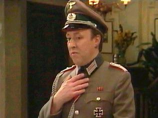 The  'ALLO 'ALLO!  Gallery on YCDTOTV.de    Path: www.YCDTOTV.de/allo_img/d1_074.jpg