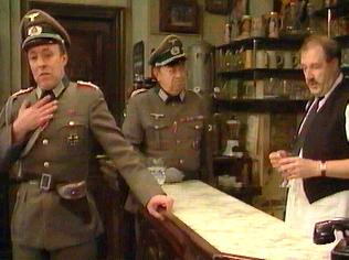 The  'ALLO 'ALLO!  Gallery on YCDTOTV.de    Path: www.YCDTOTV.de/allo_img/d1_075.jpg